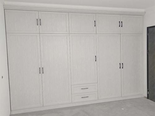 白橡木衣柜